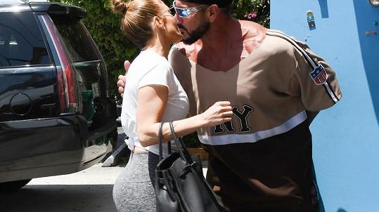 Jennifer Lopez a její zadeček v akci