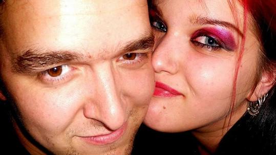 Leona Šenková se snoubencem Martinem Frenglem.