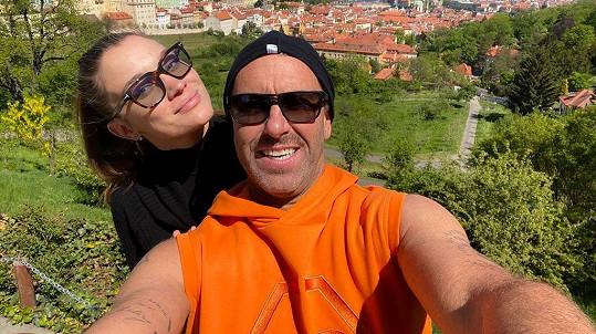 Petr Nedvěd si vzal přítelkyni Nicole.