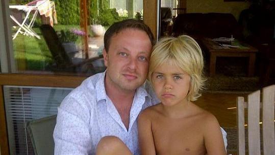 Patrik se nadále stýká s nevlastním synem Jakubem.