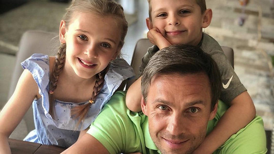 Roman Vojtek je s dětmi v karanténě.