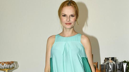 Iva Pazderková si zahraje v seriálu Láska v čase korony.