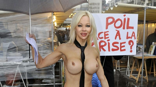 Cindy Lee je francouzskou kandidátkou na prezidentku.