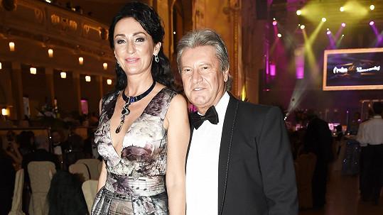 Druhá svatba Sisy Sklovské a Juraje Lelkese se na desáté výročí neuskuteční.