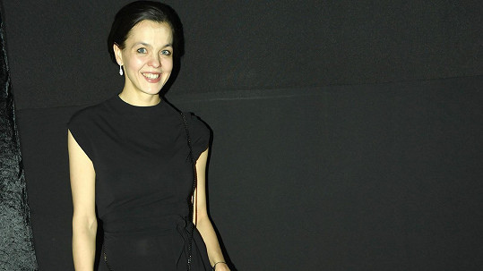 Partnerka miliardáře Karla Janečka Lilia Khousnoutdinova chce zlepšit porody v Česku.