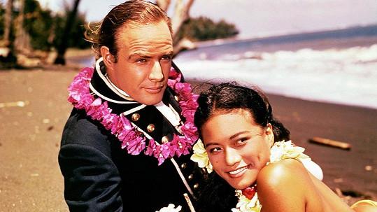 S třetí manželkou Taritou Marlon hrál ve filmu Vzpoura na Bounty.