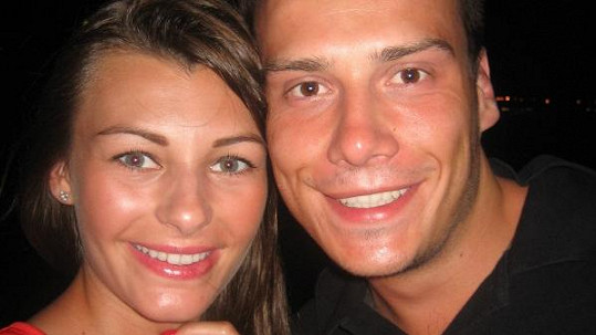 Petr Suchoň a jeho krásná přítelkyně Tereza.