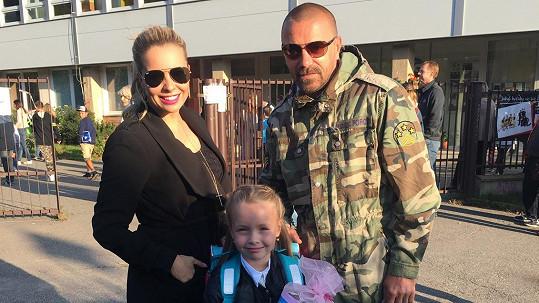 Kateřina Kristelová s dcerou Claudiou a Tomášem Řepkou