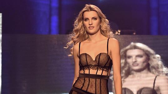Veronika Procházková má dokonalé tělo.