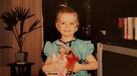 Z téhle holčičky vyrostla misska.