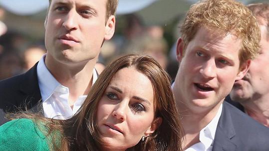 Královská rodinka s obavami vyhlíží utajovanou příbuznou...