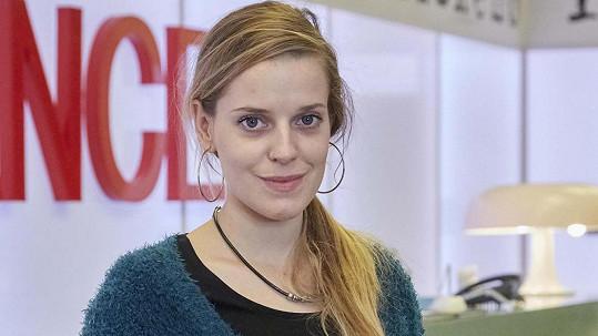 Sandra Černodrinská čeká dítě.