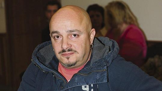 Zdeněk Izer vyhrál soud se sousedkou.