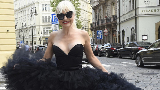 Toužíte po luxusních kouscích světových a českých návrhářů z druhé ruky?