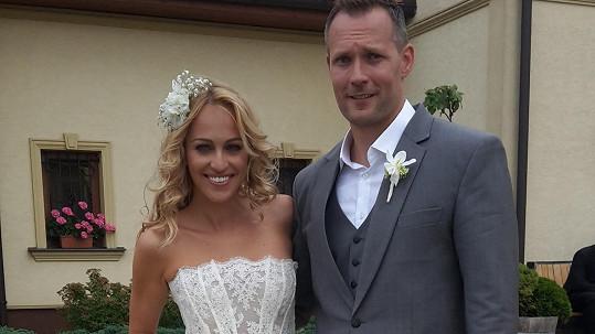 Renata Langmannová si dnes vzala svého dlouholetého partnera Ondřeje Novotného za manžela.