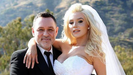 Manželství Courtney a Douga skončilo krachem. A to i finančním.