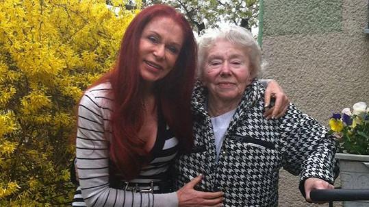 Blanka Matragi přišla o svou milovanou maminku.