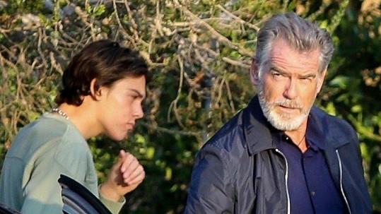 Pierce Brosnan se synem Paridem