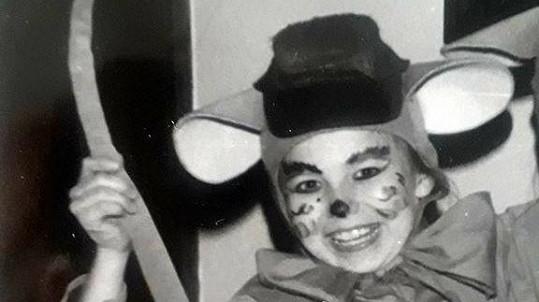 Herečka se pochlubila snímky z dětství.