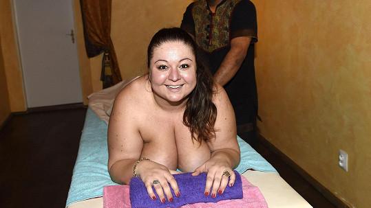Aneta Christovová nahá na masáži