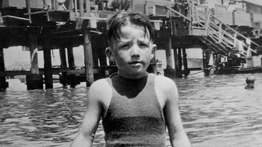 Tenhle chlapeček bude mit v posteli fimové krásky a přižení se do rodiny amerického prezidenta...
