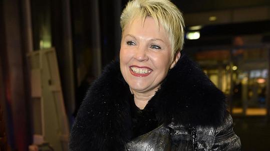 Eva Štědrá si vyšla na premiéru komedie Špindl.