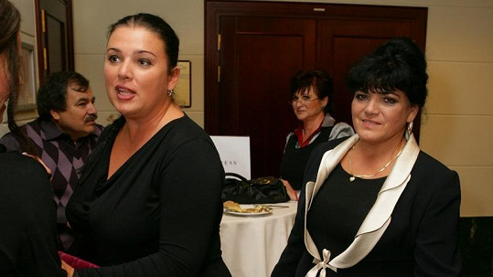 Sestra Andrey Verešové Alexandra s matkou Ester.