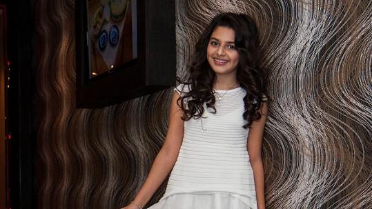 Diana Kalashová ve svých jedenácti pomáhá dětem víc než mnozí dospělí.