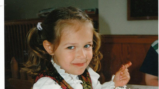Poznáte tohle roztomilé děvčátko?