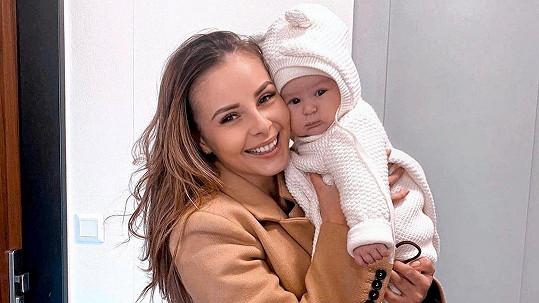 Monika Bagárová s dcerkou