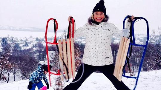 Lucie Borhyová zimu miluje.