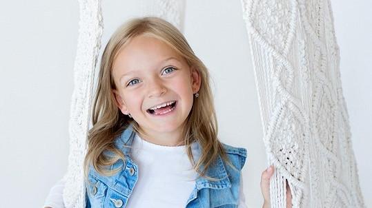 Adélka Dobešová v sedmi letech vydala první cédéčko.
