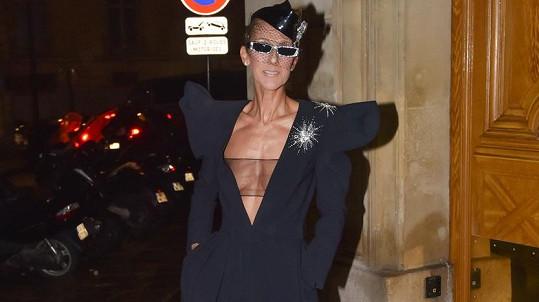 Céline Dion s módou v poslední době experimentuje.