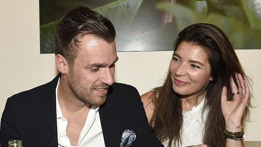 Leoš Mareš s přítelkyní Monikou Koblížkovou