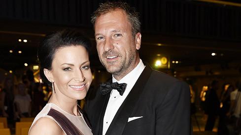 Gábina s manželem Danielem vypadali spokojeně.
