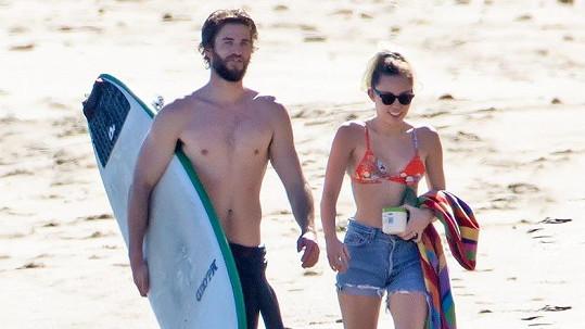 Liam Hemsworth s Miley Cyrus
