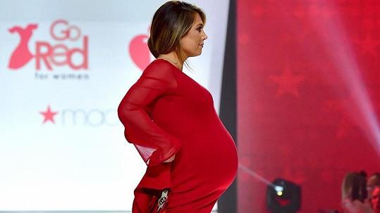 Ginger Zee den před porodem podpořila charitativní akci.