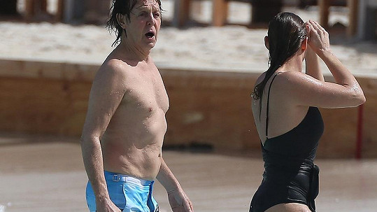 Paul McCartney s dcerou Stellou na St. Barts