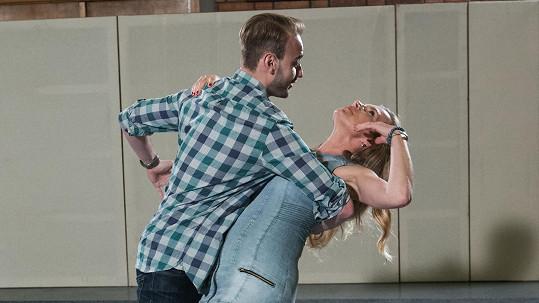 Leona Machálková se svým tanečním partnerem Michalem Necpálem