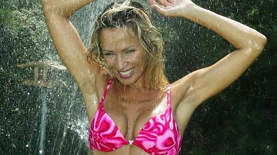Kateřina Brožová přitahuje už léta pozornost všech mužů...