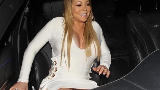Má Mariah Carey ty kalhotky? Posuďte sami!