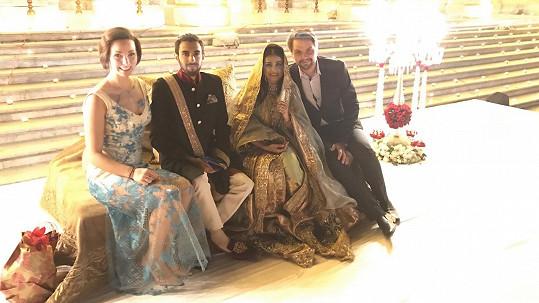 Josef Vágner s přítelkyní Marlen a indickým kamarádem z vysoké školy, který se ženil.