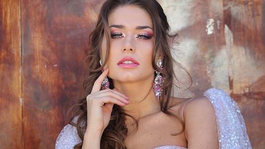 Karolína Kokešová vyhrála Miss Global.