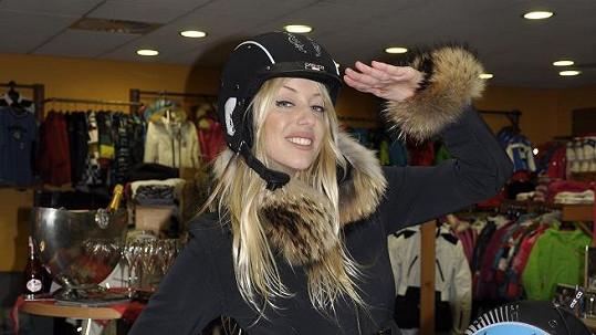 Katka Mátlová si vybrala oblečení za sto tisíc.
