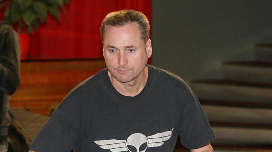 Richard Hes zemřel na zápal plic.