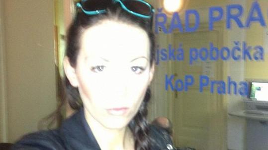 Agáta Hanychová navštívila úřad práce.