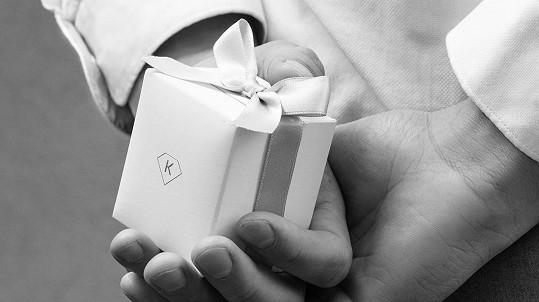 Poradíme vám, jak vybrat a kde v Praze koupit dokonalý zásnubní prsten