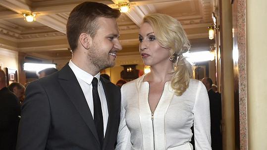 Martin Chodúr s partnerkou Ivonou Selníkovou čekají dítě.