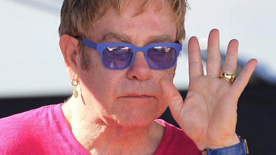 Elton John není fanouškem Janet Jackson...