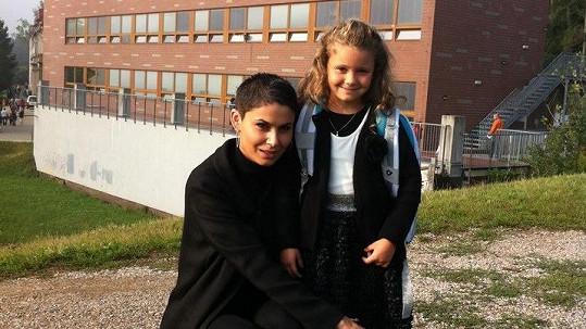Dcera Vlaďky Erbové šla do první třídy.